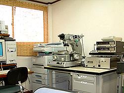 万能工具顕微鏡
